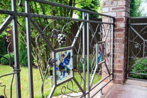 Todo Gestiona Reformas Las Palmas valla decorativa de hierro forjado para una casa de campo