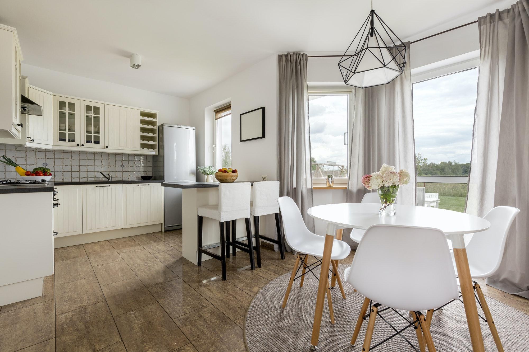 Foto cocina de diseño moderno en piso